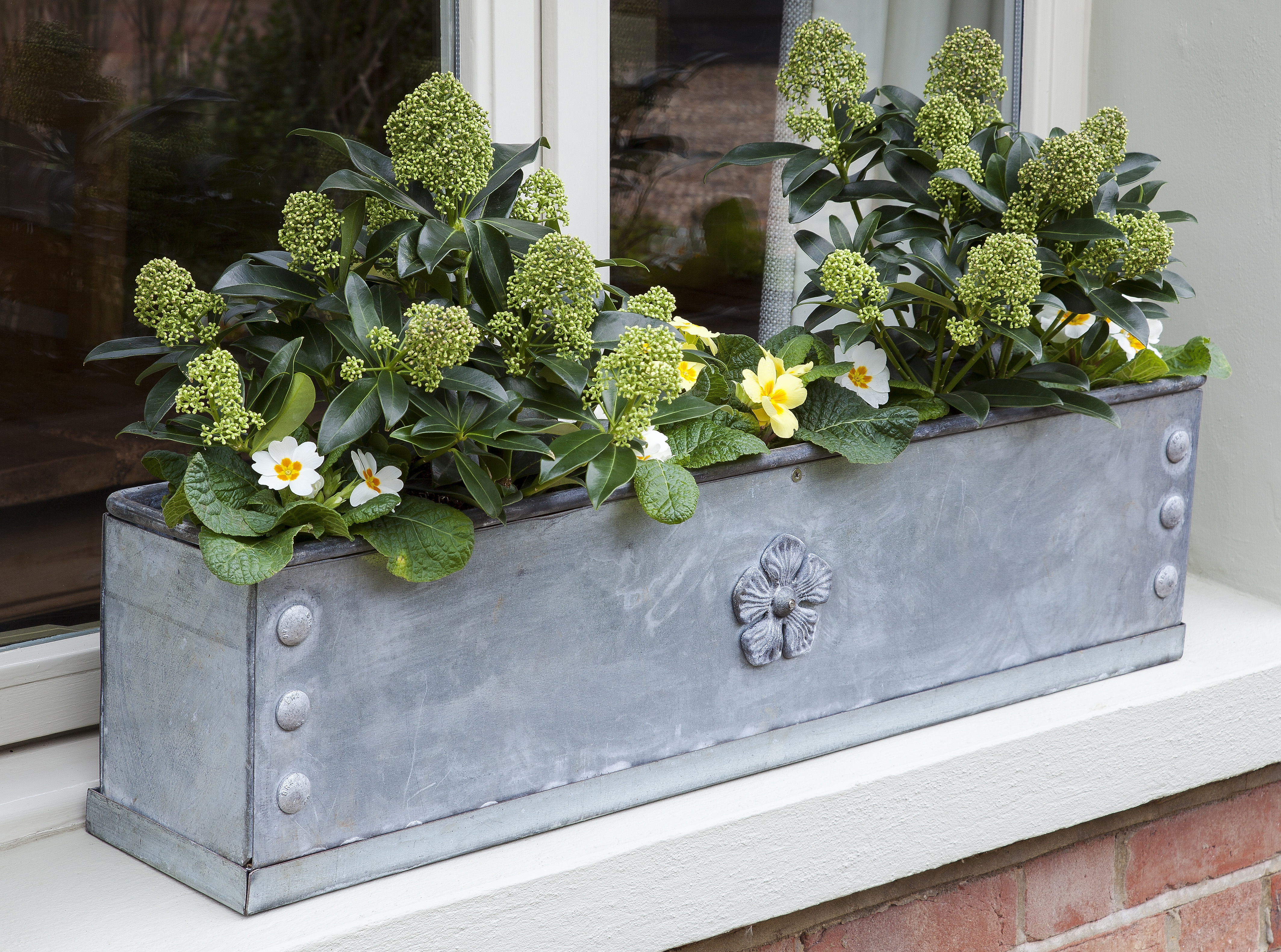 how to stop window boxes falling